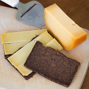 fries-roggebrood-met-oude-kaas